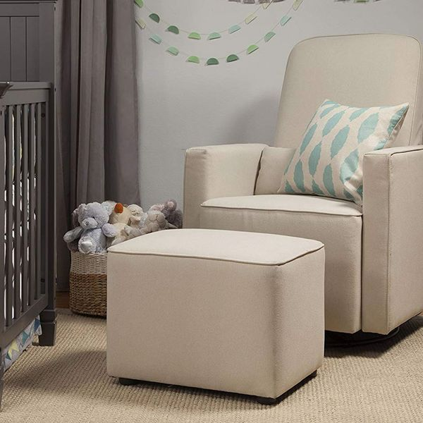 DaVinci Olive, fauteuil pivotant tapissé avec ottoman en prime