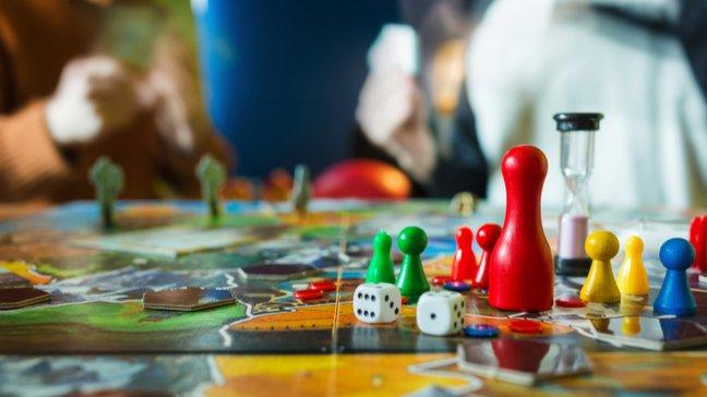 Des joyaux abordables : 55 idées de cadeaux de Noël peu coûteux - Jeux de société