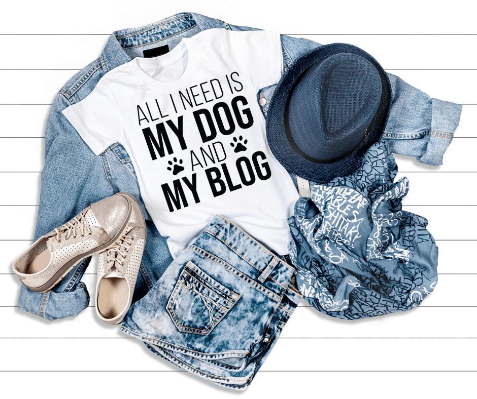 Tshirt pour blogueurs. T-shirt amusant pour blogueurs et une idée de cadeau parfaite pour une blogueuse de mode.